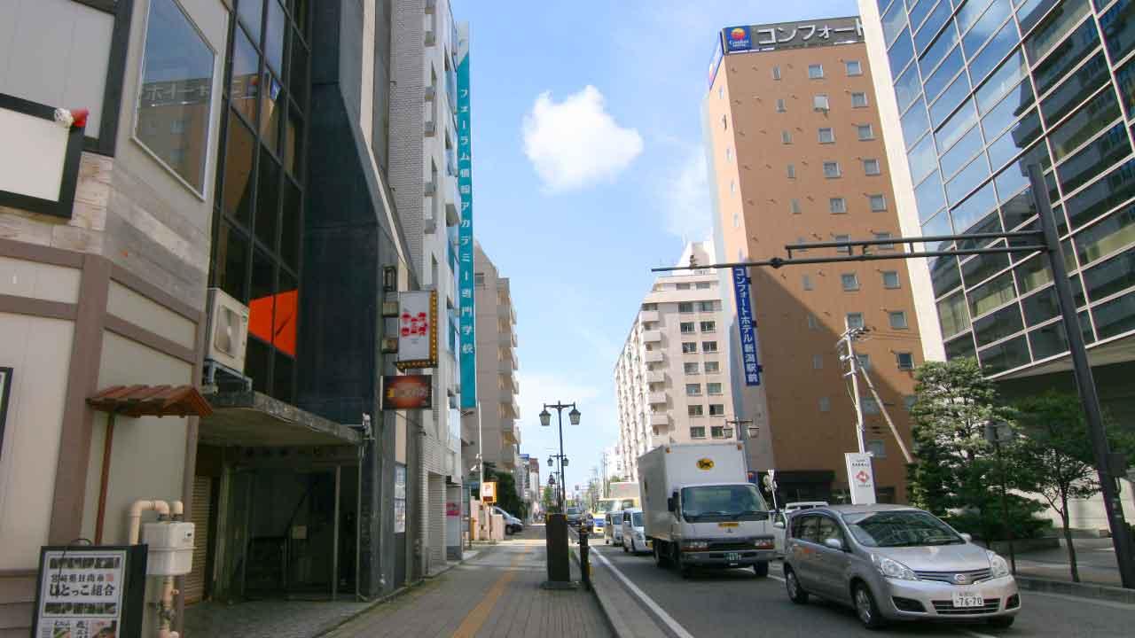 JR新潟駅から徒歩約2分。